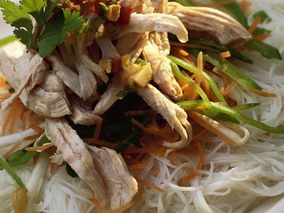 Hähnchenbrust mit Gemüse und Glasnudeln