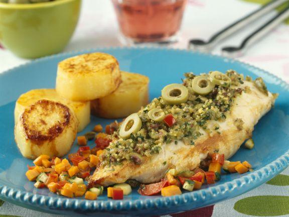 Hähnchenbrustfilet mit Olivenpaste und Gemüse