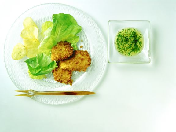Hähnchenfilet mit Salat und Chips
