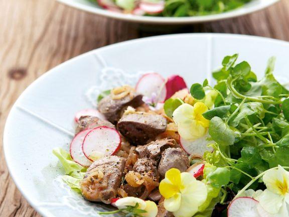 Hähnchenleber und Salat