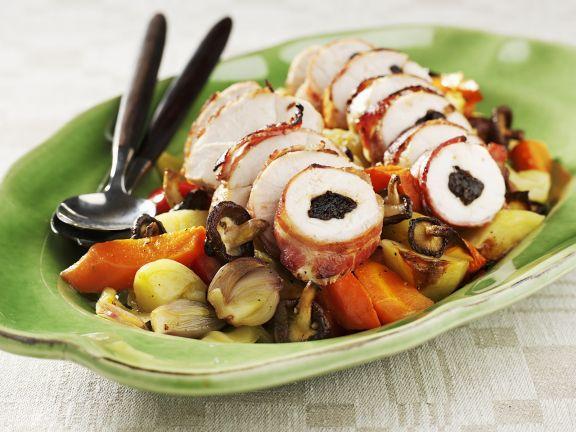 Hähnchenroulade mit Zwetschgen gefüllt dazu Gemüse