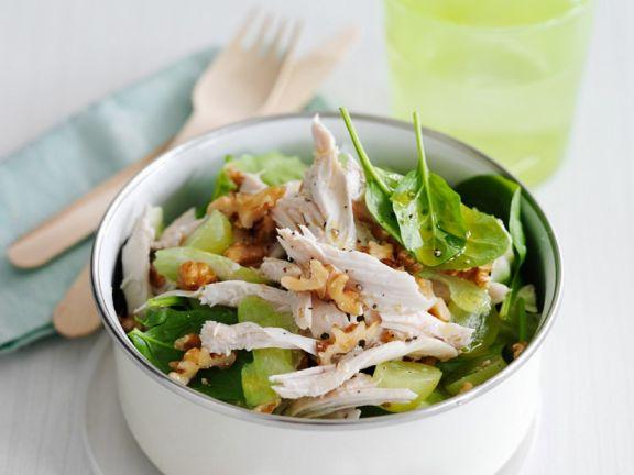 Hähnchensalat mit Spinat und Walnüssen