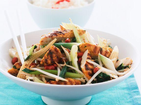 Hähnchenstreifen mit Gemüse aus dem Wok