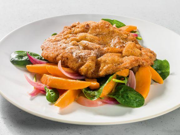 Haselnuss-Schnitzel mit Süßkartoffel-Spinat-Salat