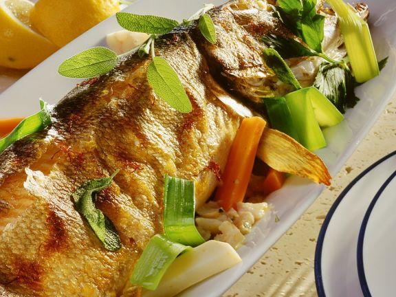 Hecht mit Gemüse-Fischfüllung