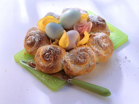 Hefekranz mit Ostereiern