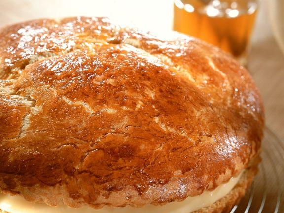 Hefekuchen mit Vanillecremefüllung