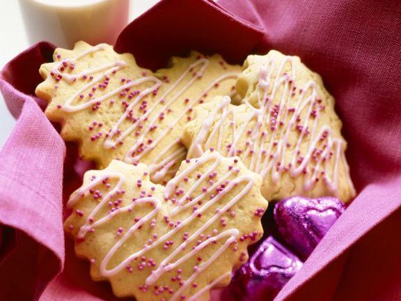 Herz-Plätzchen mit Zuckerguss