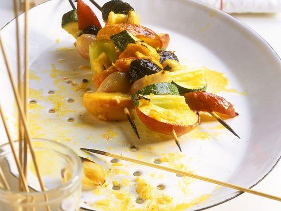 Herzhafte Obst-Gemüse-Spieße