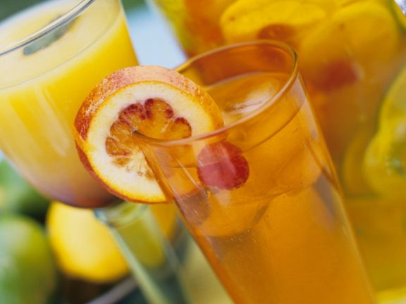 Himbeer-Orangen-Bowle und Sunrise