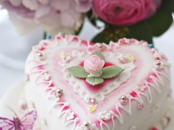Hochzeitstorte In Herzform Rezept Eat Smarter