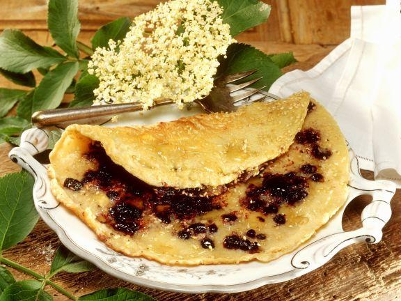 Holunderbeeren-Pfannkuchen mit Sesam
