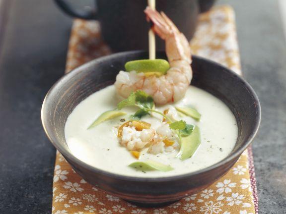 Avacado-Garnelen-Suppe mit Physalis