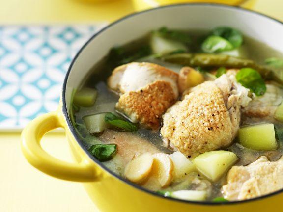 Hühnchensuppe nach philippinischer Art