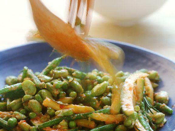 Hülsenfrüchte mit Zucchini