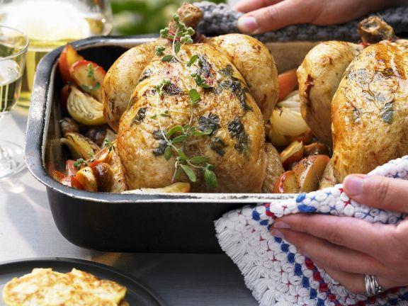Huhn mit Maronen-Apfel-Gemüse und Kartoffelpuffern