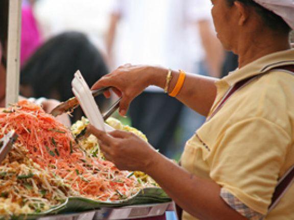 Beim Essen in tropischen Ländern ist Vorsicht geboten