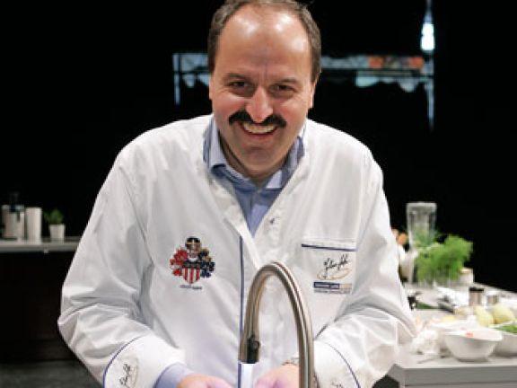 Johann Lafer ist einer der bekanntesten Köche
