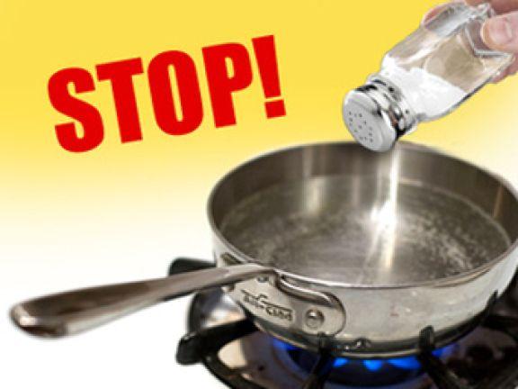 Kochen ohne Salz – probieren Sie es lieber mit Salzersatz!