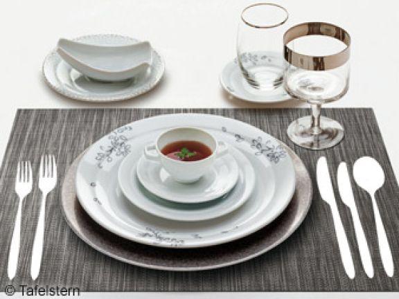 Tafel knigge perfekt den tisch decken eat smarter for Besteck knigge
