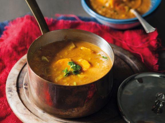 Indische Gemüse-Hähnchen-Suppe