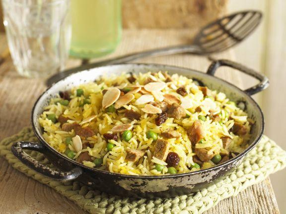 Indische Reispfanne (Biryani) mit Lamm und Mandeln