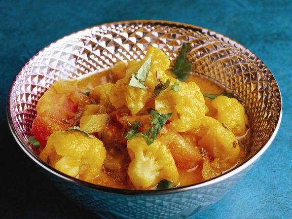 Indisches Blumenkohl-Curry mit Kartoffeln