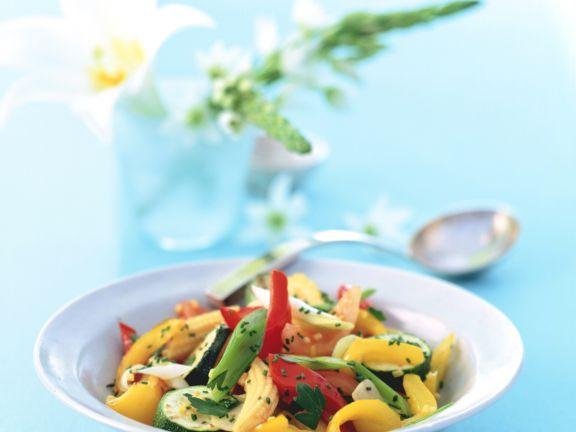 Ingwer-Gemüse mit Maiskölbchen