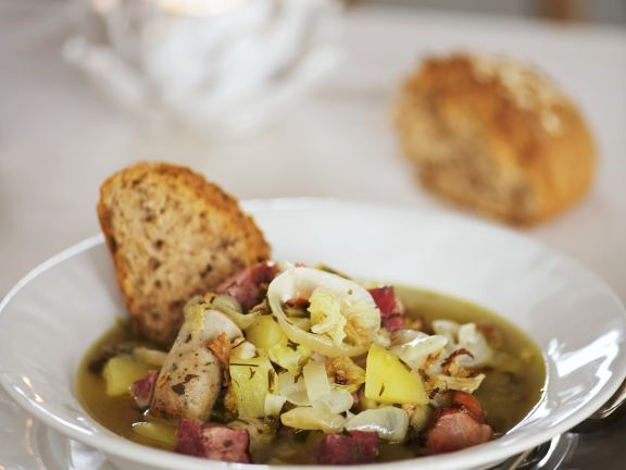 Irischer Kartoffeleintopf mit Wurst (Dublin Coddle)
