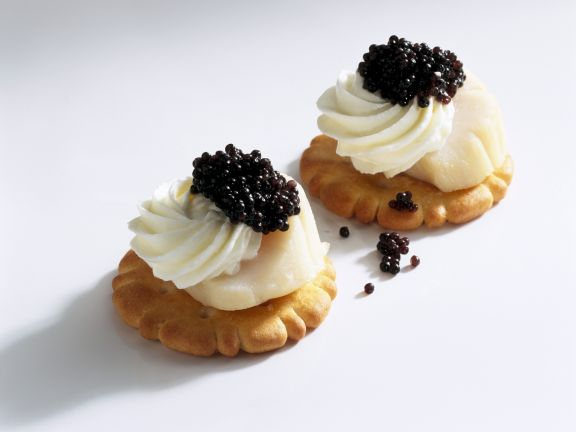 Jakobsmuschel-Kaviar-Häppchen