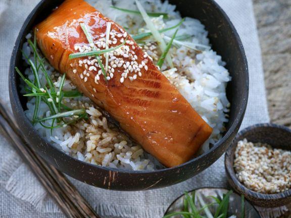 Japanischer Lachs mit Reis