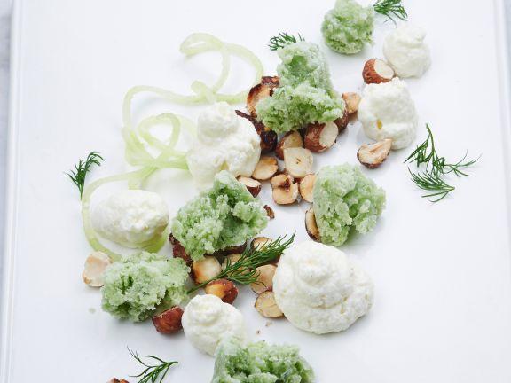 Joghurt-Mousse mit Gurken-Sorbet