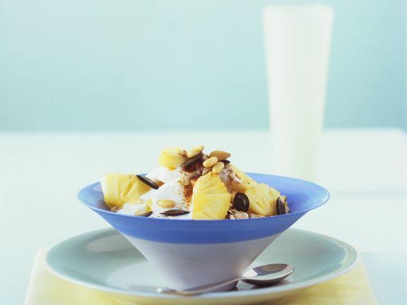 joghurtmüsli mit Ananas
