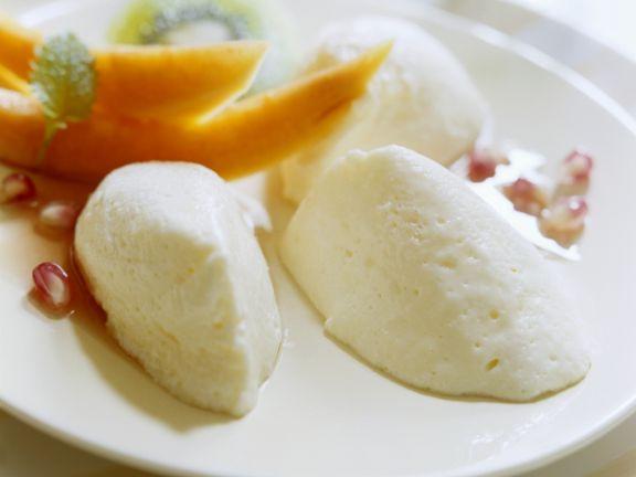 Joghurtnockerl mit Obst
