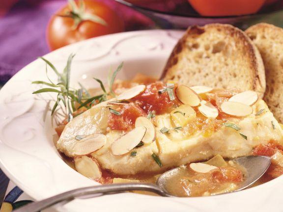 Kabeljau mit Tomatensugo und Mandeln