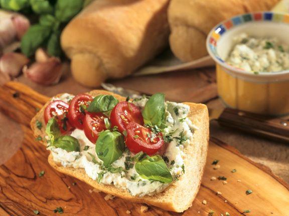Käse-Baguette mit Tomaten