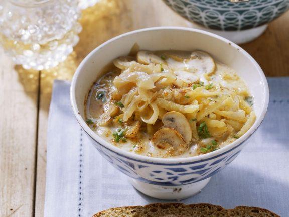 Käse-Champignon-Suppe mit Spätzle