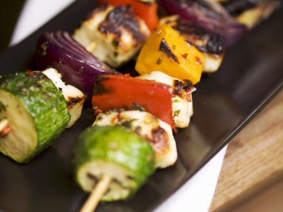 Käse-Gemüse-Spieße vom Grill