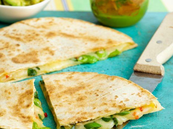 Käse-Tortilla mit Lauchzwiebeln