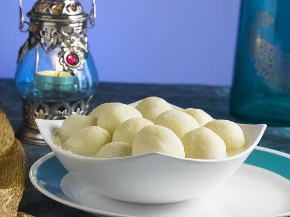Käsebällchen in Sirup aus Indien