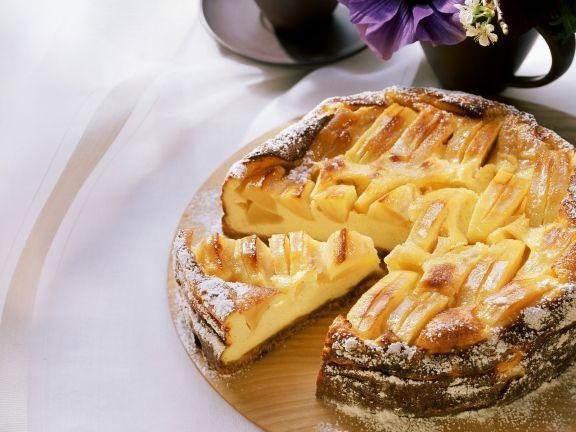Käsekuchen mit Äpfeln und Calvados