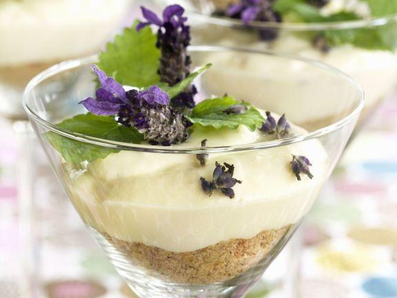 Käsekuchen mit Lavendel