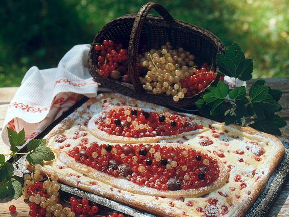 Käsekuchen vom Blech mit Beeren
