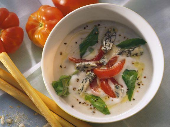 Käsesuppe mit Tomaten