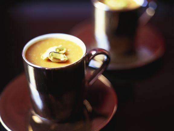 Kaffeemousse mit Pistazien