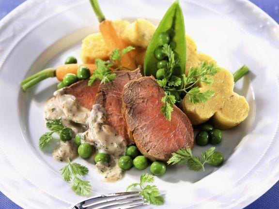 Kalbsfilet mit Gemüse, Mascarpone-Soße und Polentaschnitten
