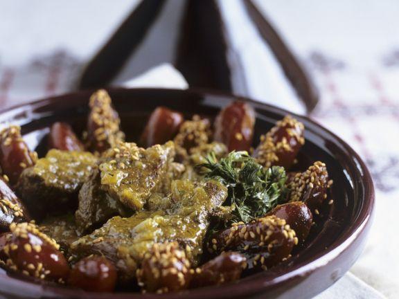 Kalbsfleisch-Tajine mit Datteln und Sesam