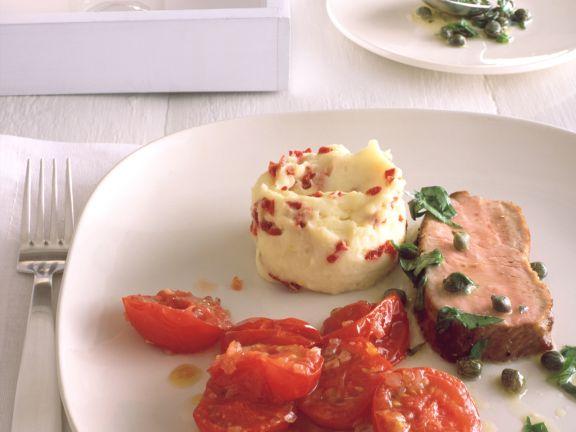 Kalbsrücken mit Tomatengemüse