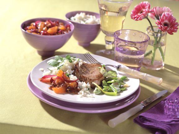 Kalbssteak mit Aprikosen-Chutney und Dicken Bohnenkernen