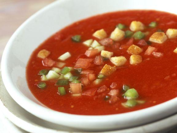 Kalte Gemüsesuppe (Gazpacho)